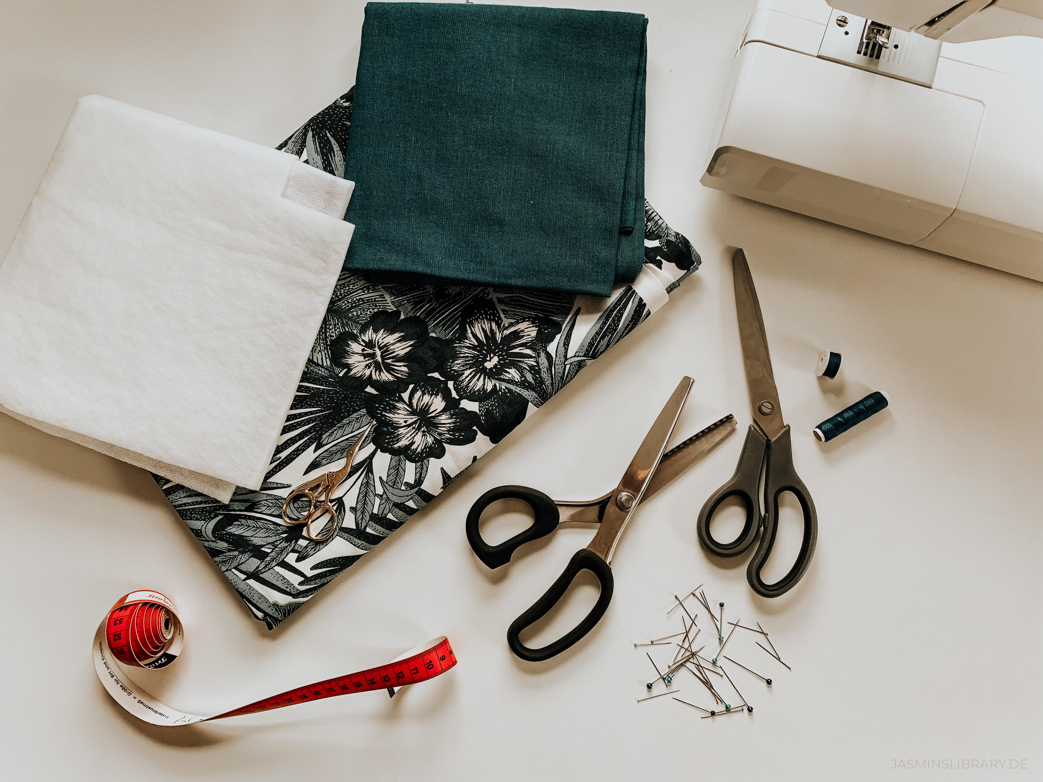DIY Tutorial Sew You Own Book E-Reader Sleeve 1