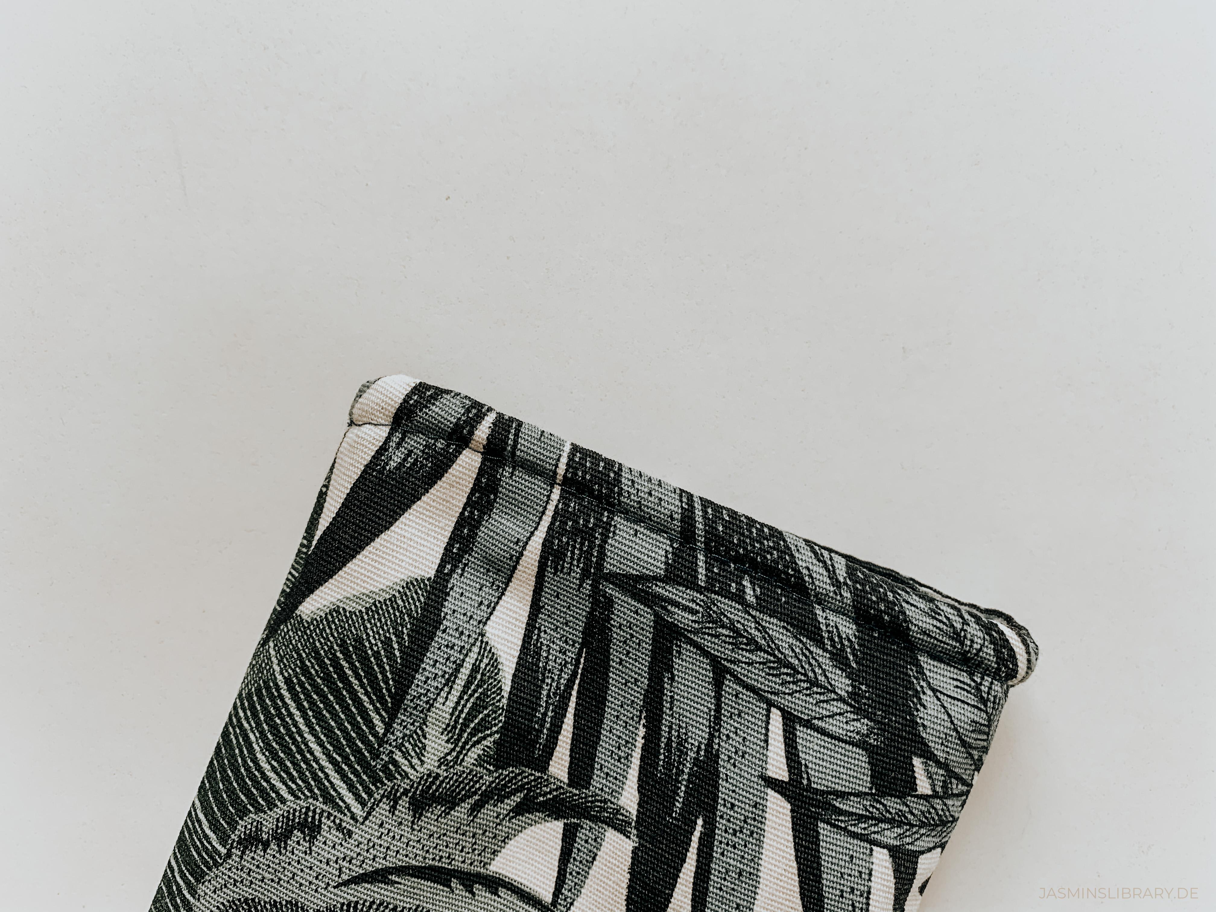DIY Tutorial Sew You Own Book E-Reader Sleeve 15