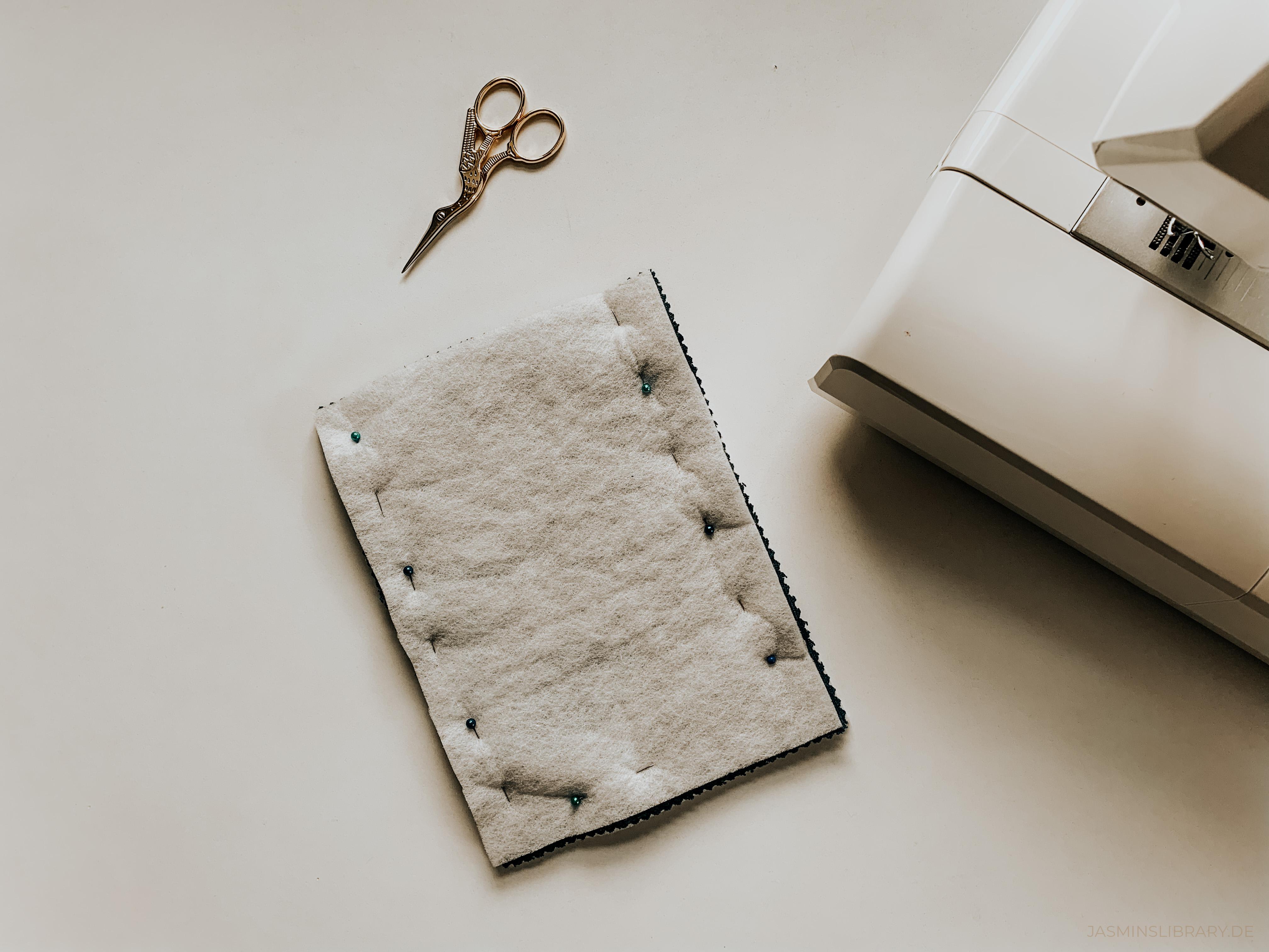 DIY Tutorial Sew You Own Book E-Reader Sleeve 4
